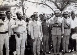 Les Chefs rebelles-Colonel Kandeka- Gbenye- Soumialo- le general Olenga et le chef des Jeunesses Simba
