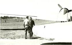 Photo 28   Denard accueille Clément qui arrive avec la solde