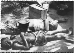 Photo 38 - la famille de Alphonse Mbongoma après l'attaque des Simbas.