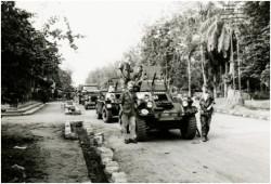 Photo 46 - Formation d'une colonne de ravitaillement avec les ferrets en tête, au départ de Buta.