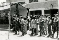 Photo 47 - Réception des autorités à Buta pour l'arrivée du train